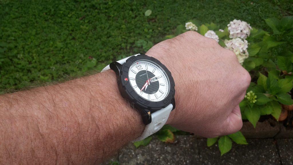 Wartburg Sport schwarz weiß mit weißem Silikonband