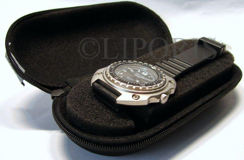 Uhrbox Textil Reise Etui schwarz mit zwei Schaum Polster ohne Taucheruhr Deko