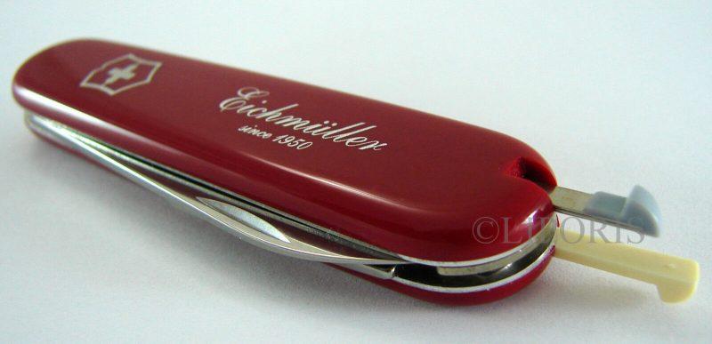 VICTORINOX OFFICIER SUISSE swiss made Gehäuseöffner für Uhren Taschenmesser rot